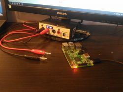 Przystawka zasilająca na biurko z Hubem USB.
