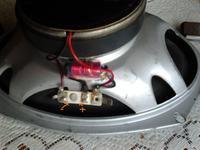 Jak dolutować kable doJBL GTO 938?