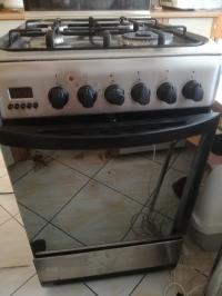 Piekarnik elektryczny Indesit, model nieznany - nie działa zegar oraz piekarnik