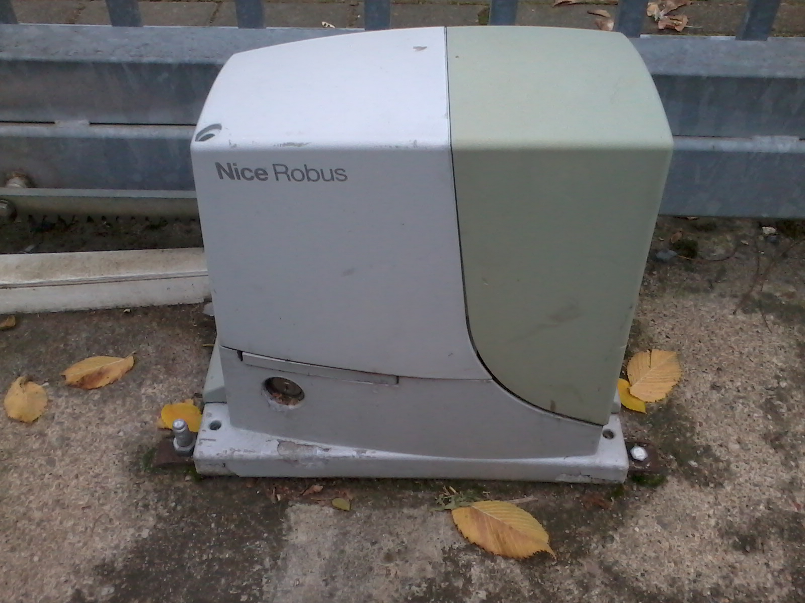 Robus 600. Culvert For The Cable Control Unit And Place The Battery ...
