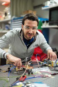 IBM integruje układy fotoniczne z technologią CMOS