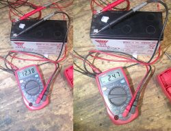 """UNI-T UT33B - """"Cheap / Dear"""" - multimeter with backlight and HOLD func"""