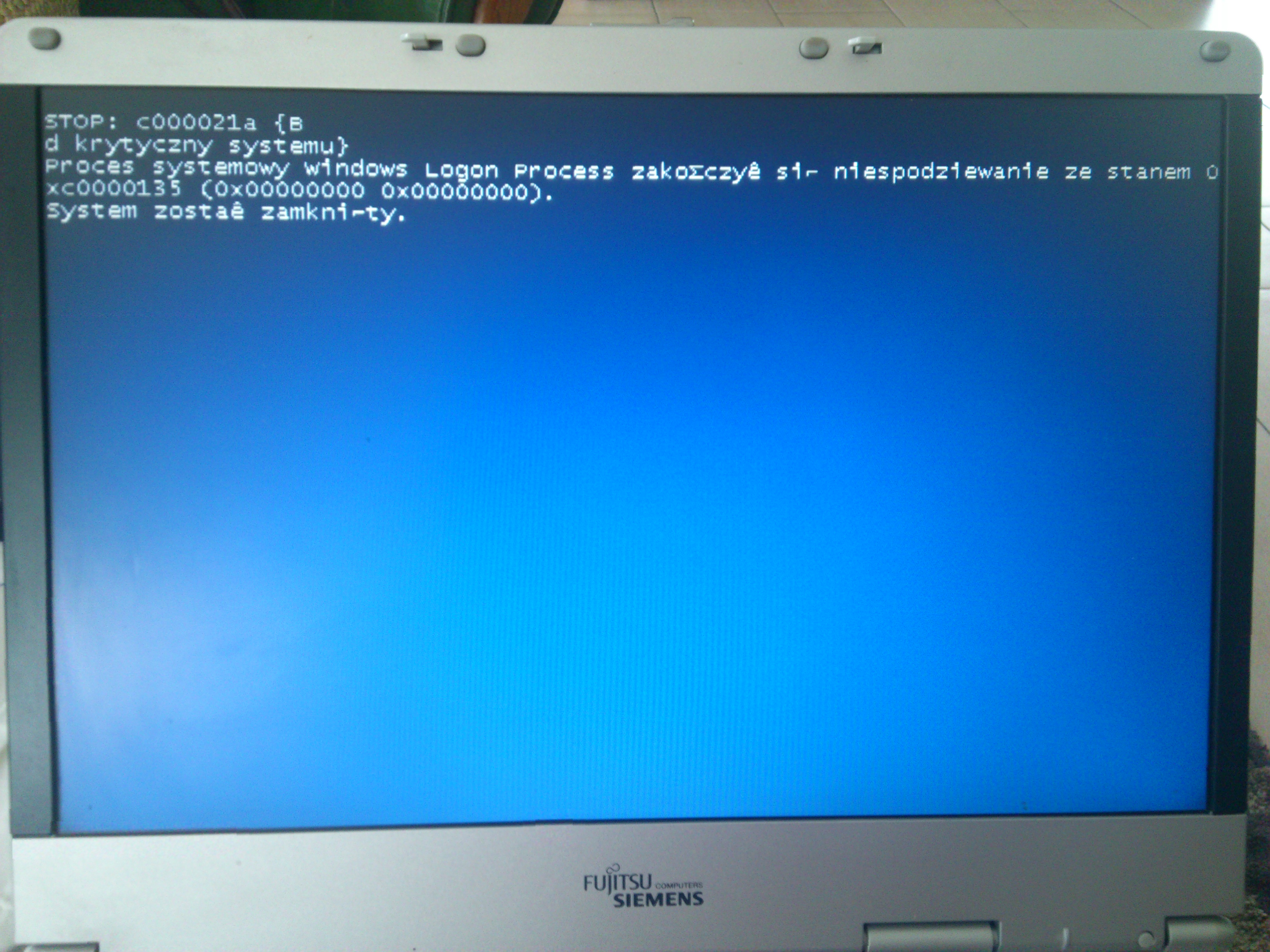 Fujitsu Siemens AmiloPro V3515 - Windows XP pr�buje start, a potem reset laptopa
