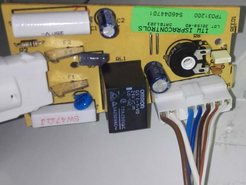 Lod�wka Ardo C023B-2H - Agregat nie w��cza si�, brak o�wietlenia, wymiana modu�u