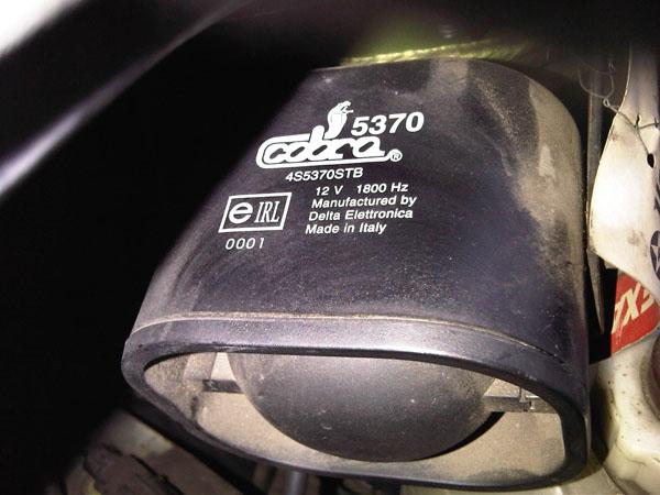 Alarm Cobra 5370 w Renault Scenic 2000 nie wy��cza si�.