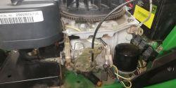 John Deere LT133 Traktorek - przepala bezpiecznik pod stojanem
