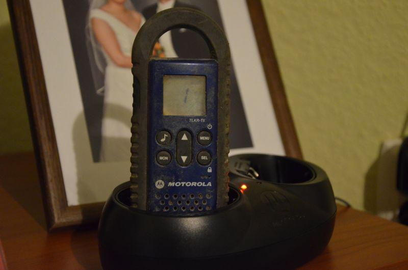 Motorola TLKR T5  - Po 2 latach pod ziemi� Nie odbiera sygna�u lecz  Nadaje