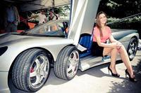 Covini Six - trzyosiowy samochód sportowy ze specjalnym systemem bezpieczeństwa