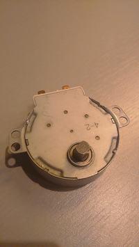 Mikrofala SHARP R-671(W)D - - nie obraca sie talerz