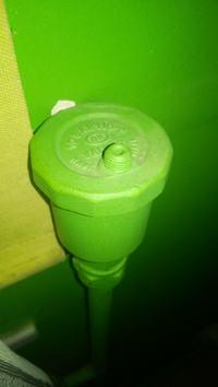 Jak zakręcić zwór grzejnika? Jak sprawdzić czy odpowietrzacz działa?