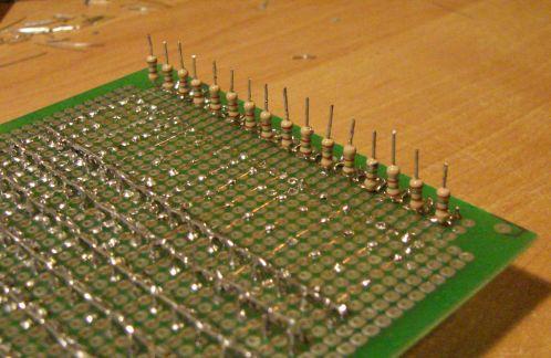16 kanałowy analizator widma sygnału akustycznego