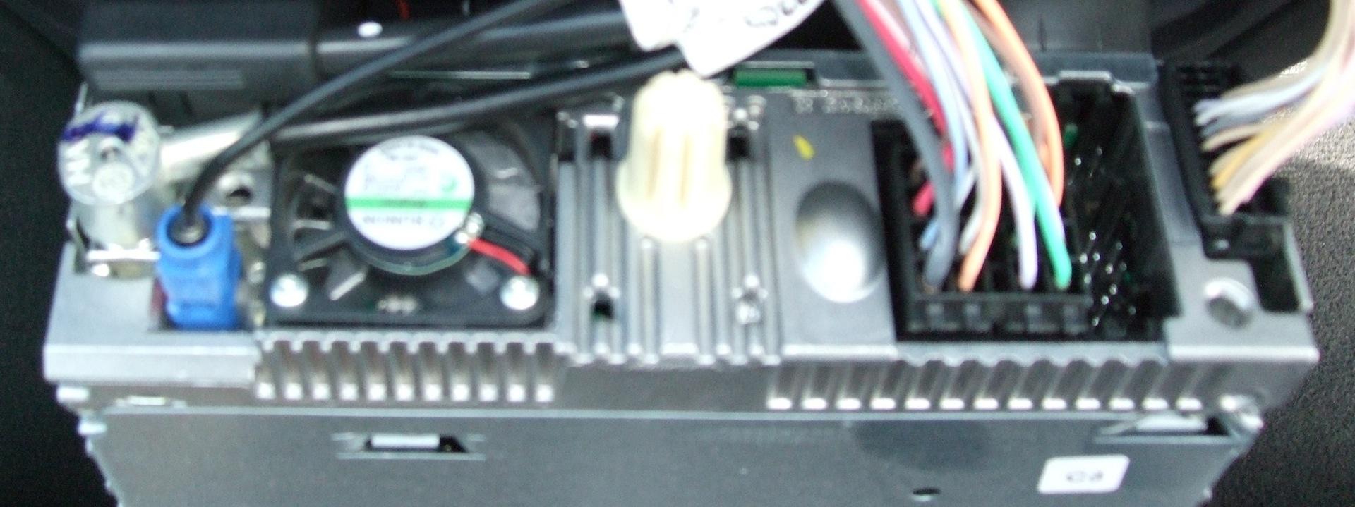Renault Carminat Informee 2 - Opis kostek, mapy.