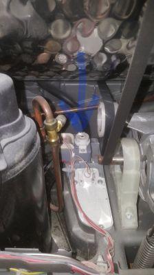 Siemens IQ700 WT46W561 - Miga symbol pojemnika z wodą oraz przycisk start