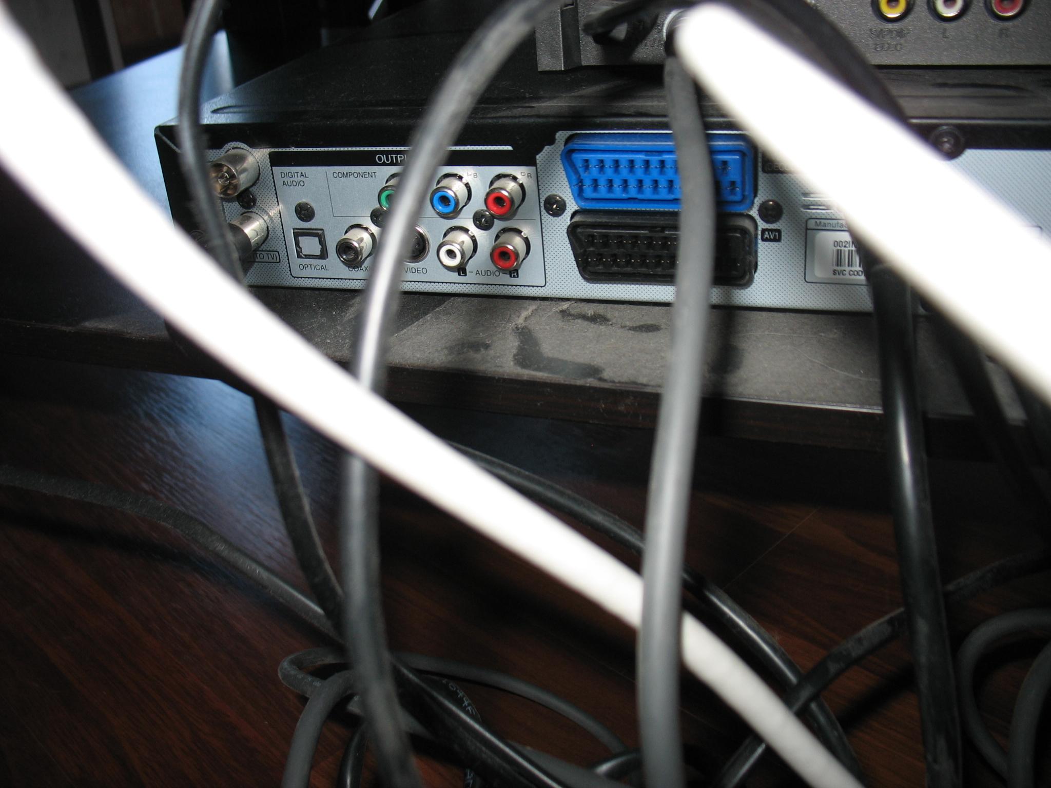 po��czenie kabl�wka-dekoder-tv-nagrywarka