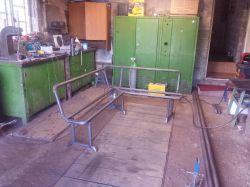 Stół i ławki do kuchni. Drewno i stal