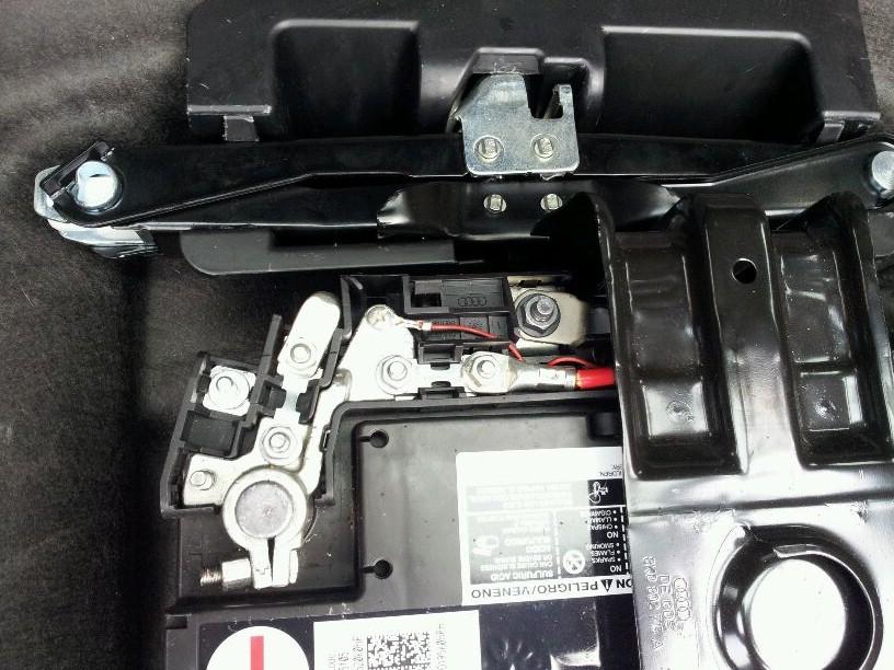 Audi A4 B8 po st�uczce nie odpala