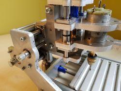 Minifrezarka CNC zbudowana z profili i blachy Alu 8 mm. Sterownik GRBL