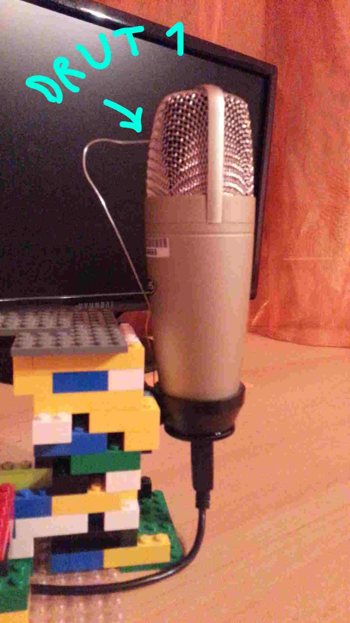 Mikrofon - Szumy w mikrofonie, nic nie pomaga ...