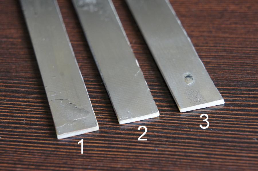 Cynowanie p�ytek drukowanych stopem niskotopliwym we wrz�tku