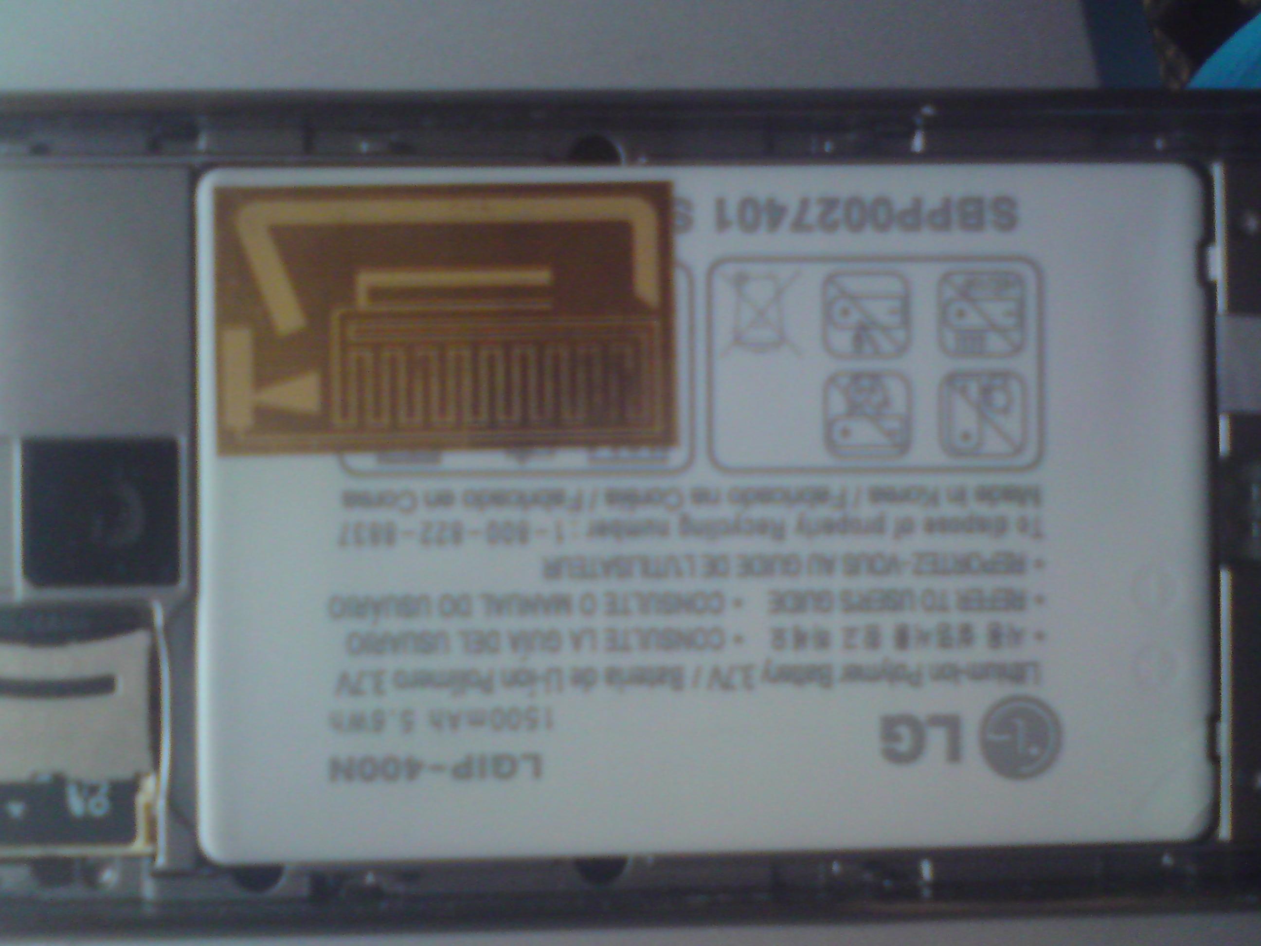 LG GT540 Swift .Bateria s�abo trzyma