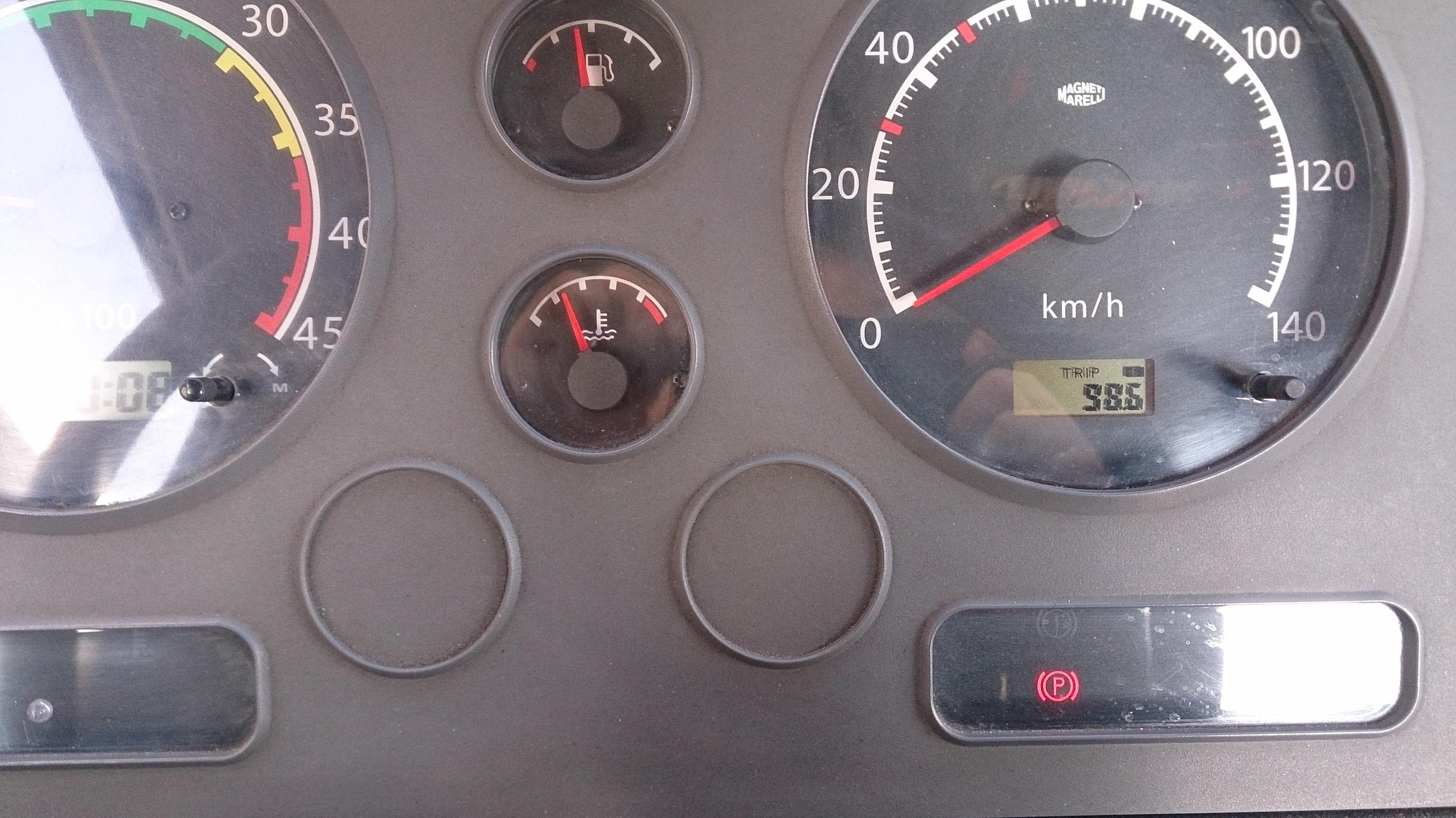 Nissan Atleon 3.0  - Potrzebuje Ksi�zki napraw/ Schemat�w/ Porad/ Instrukcji