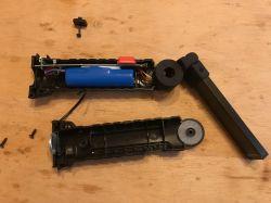 Recenzja i wnętrze latarki Worklight W-52 ładowanej przez USB