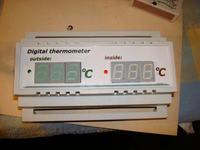 Termometr dwupunktowy na szynę TH-35 (attiny 2313 ds18b20)