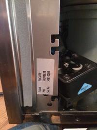 Electrolux EUCAIDP - Zmywarka wyłącza się po kilku sekundach.