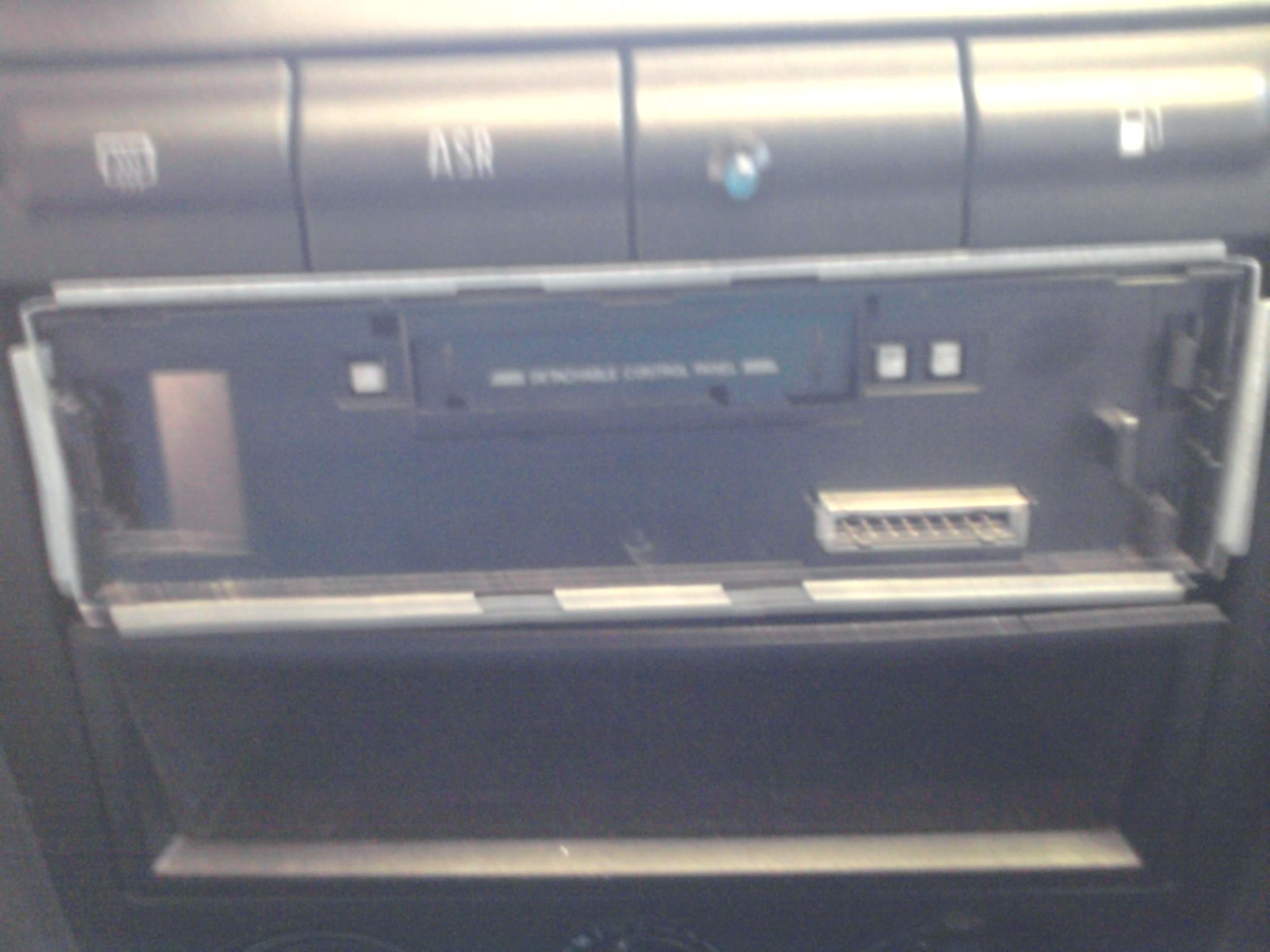 JVC KS-F360R - jak wyci�gn�� (skoda octavia 1)