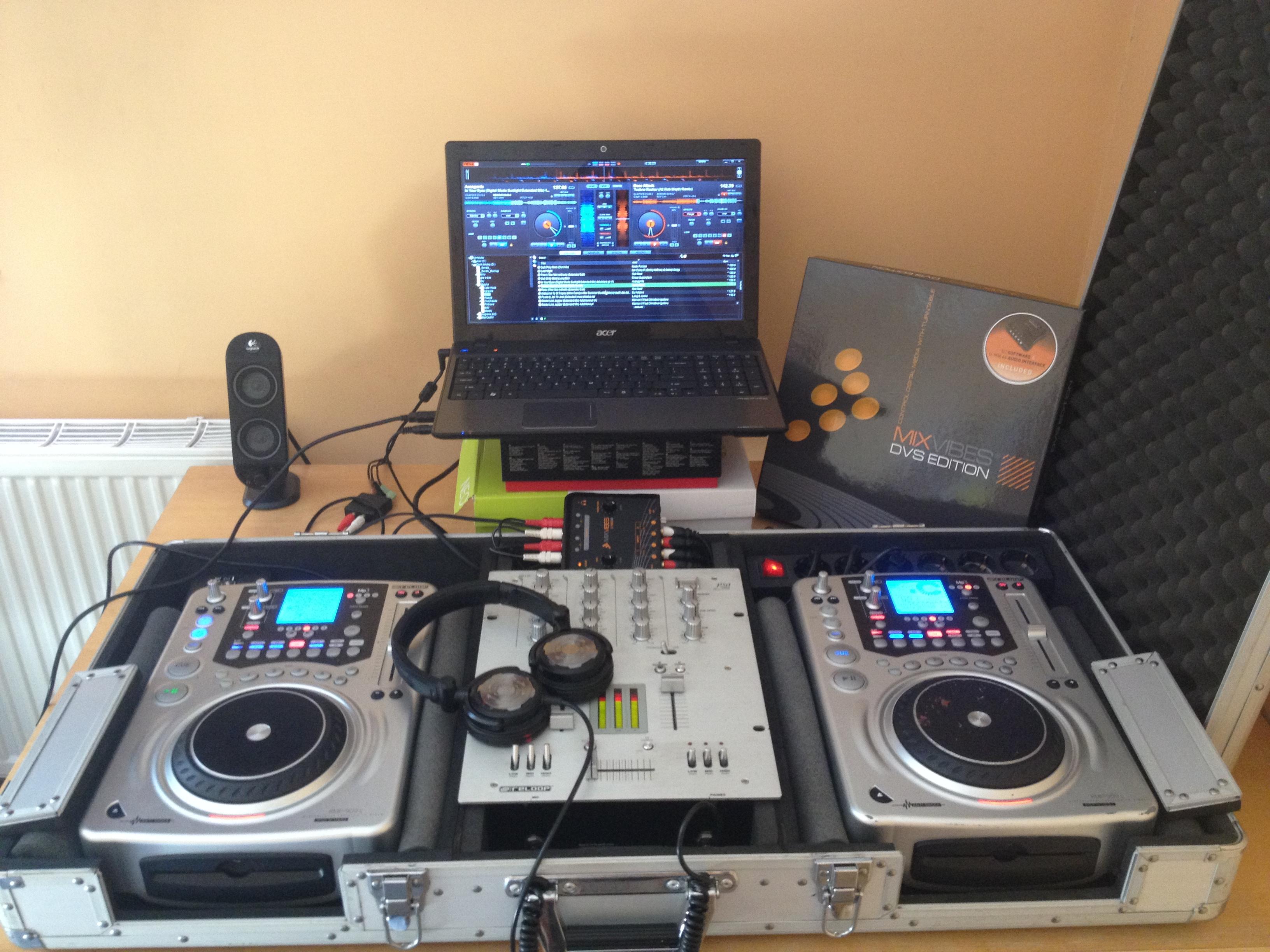 [Sprzedam] Zestaw dla DJ'a - Reloop RMX 20 + 2x Reloop 909s + MIXVIBES u-mix44