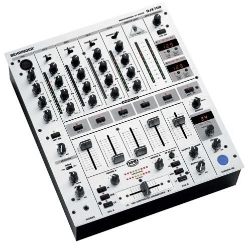 Behringer PRO DJ MIXER DJX700?