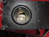 Głośnik przenośny z wbudowanym zasilaniem.
