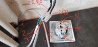 Podłączenie przedłużacza i oświetlenia led na krótko do gniazdka.
