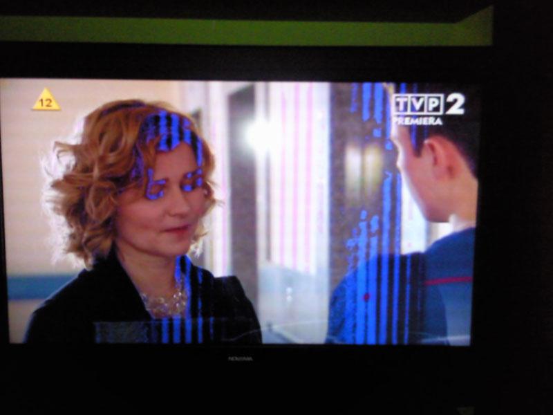 TV LCD NOVEMA FHD37BX dziwne niebieskie pasy oraz...