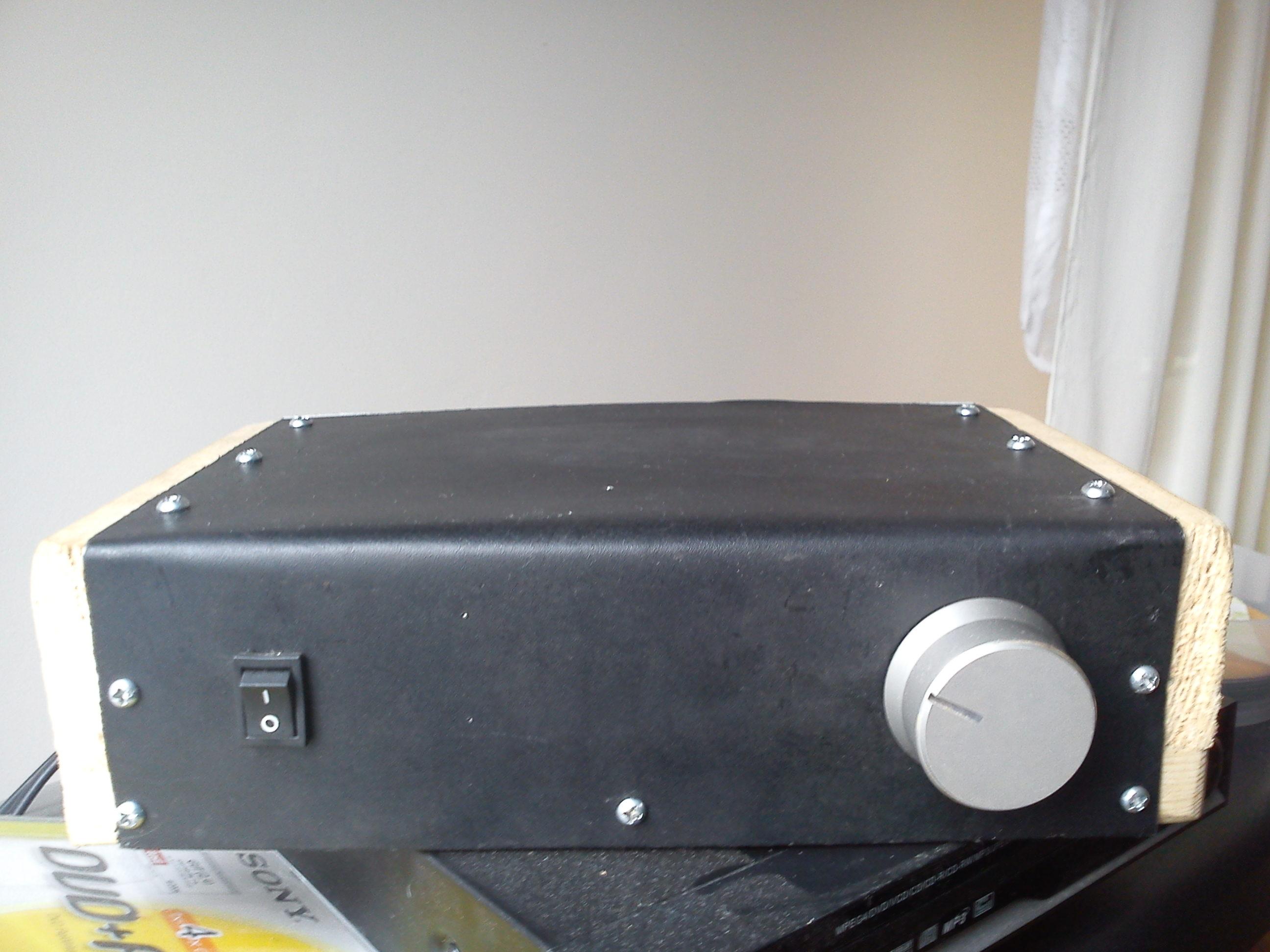 Wzmacniacz tranzystorowy 100W/4 Ohm