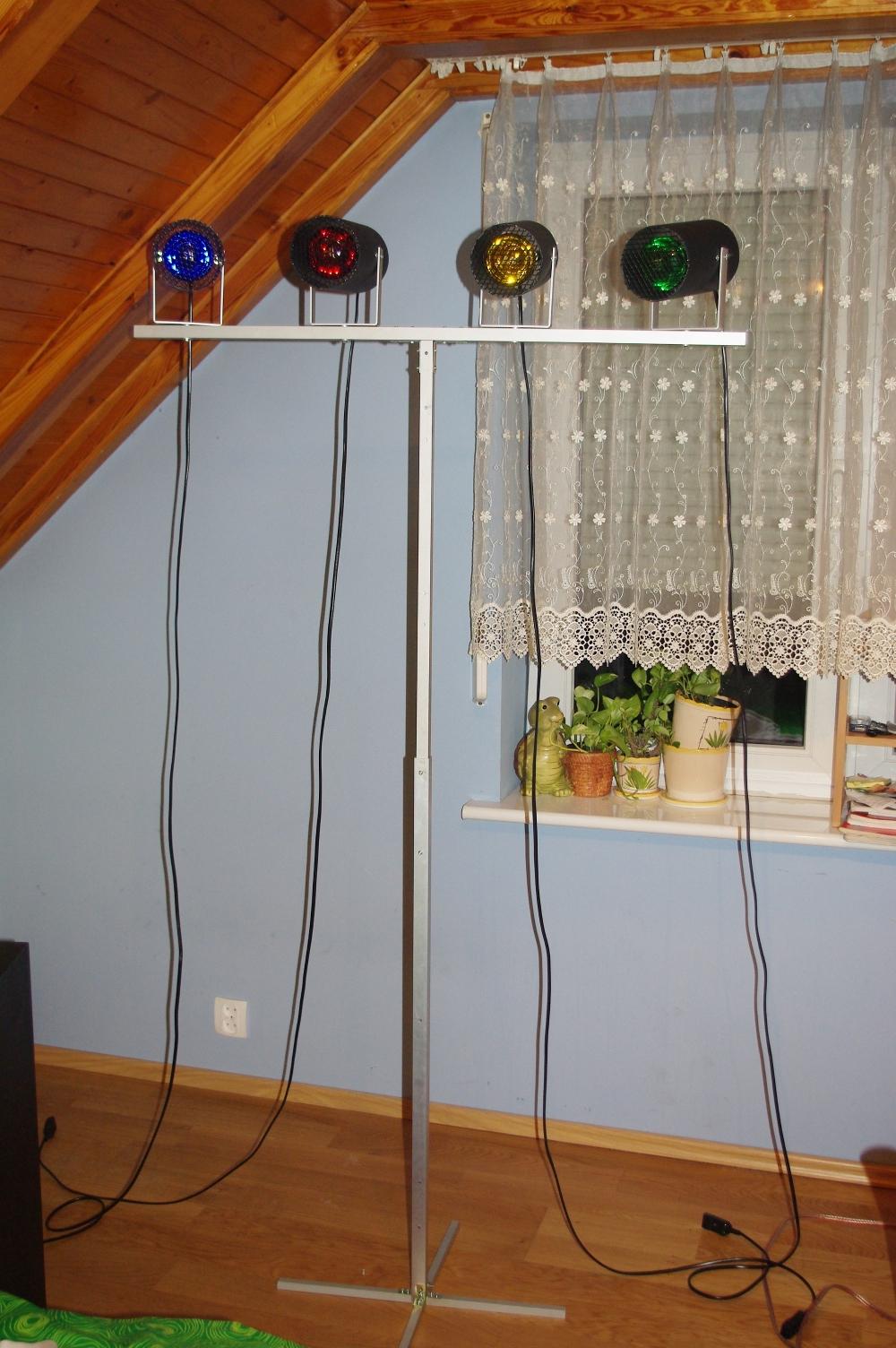 Sterownik �wiate� 2x 4 kana�y FT245RL (2 statywy x 4 lampy)