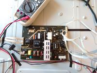 TV LCD Blaupunkt 39/681-GB-1B-FHBKU-DE -miga STBY czerwona/zielona