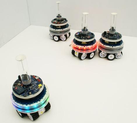 Swarmanoid - fascynuj�ca grupa robot�w