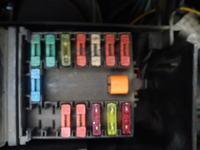 Citroen SAXO 1.5D - Układ bezpieczników, panel kontrolny i spryskiwacz