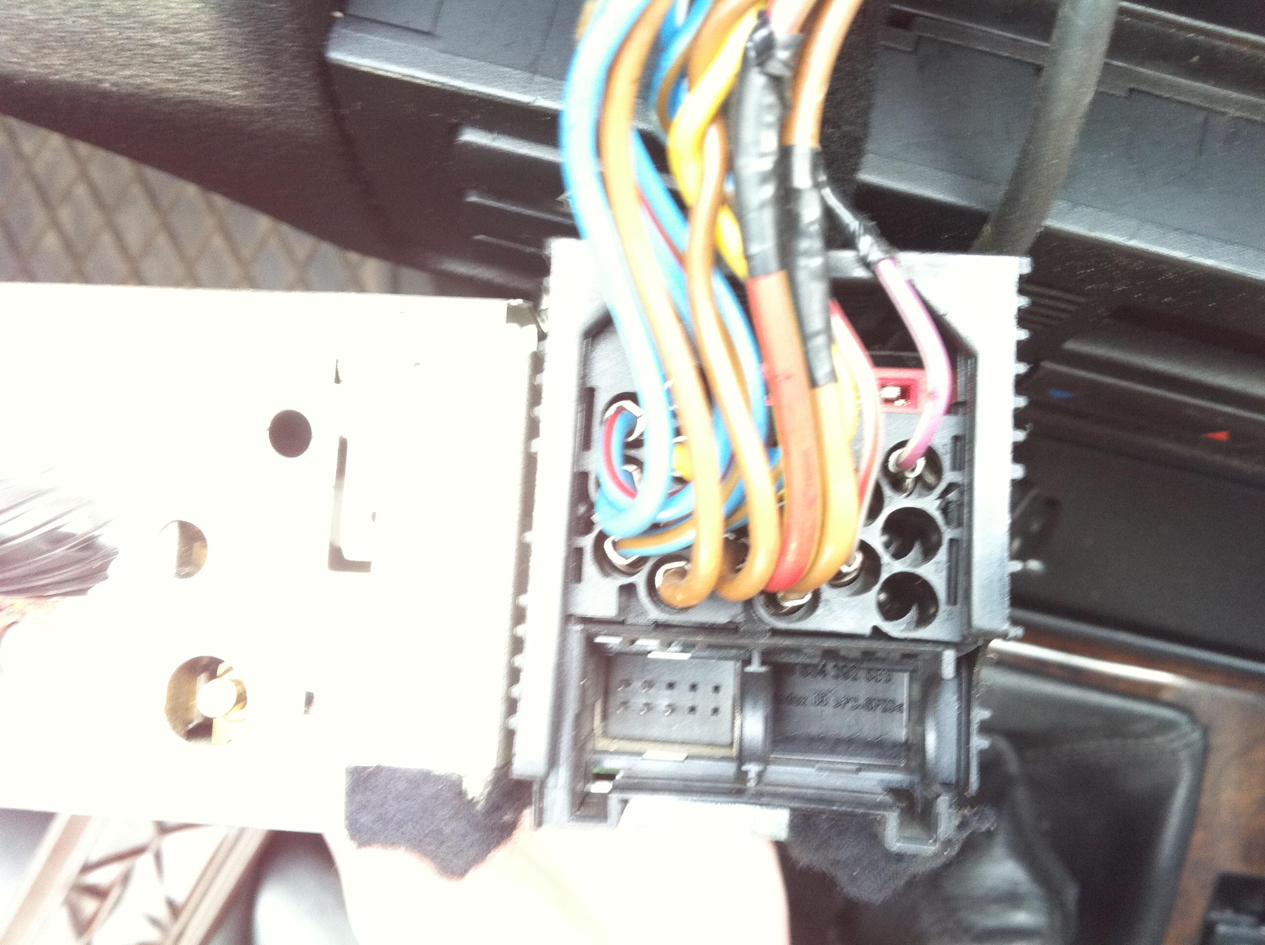 e46 320D, BMW, czy da sie zamontowac AUX IN w moim radiu blaupunkt ?