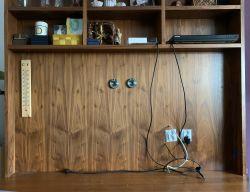 Zawieszenie telewizora bez odstępu od ściany