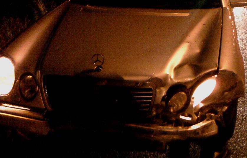 [Sprzedam] Reflektor przetwornica ca�a elektronika ksenon Mercedes sprawna.