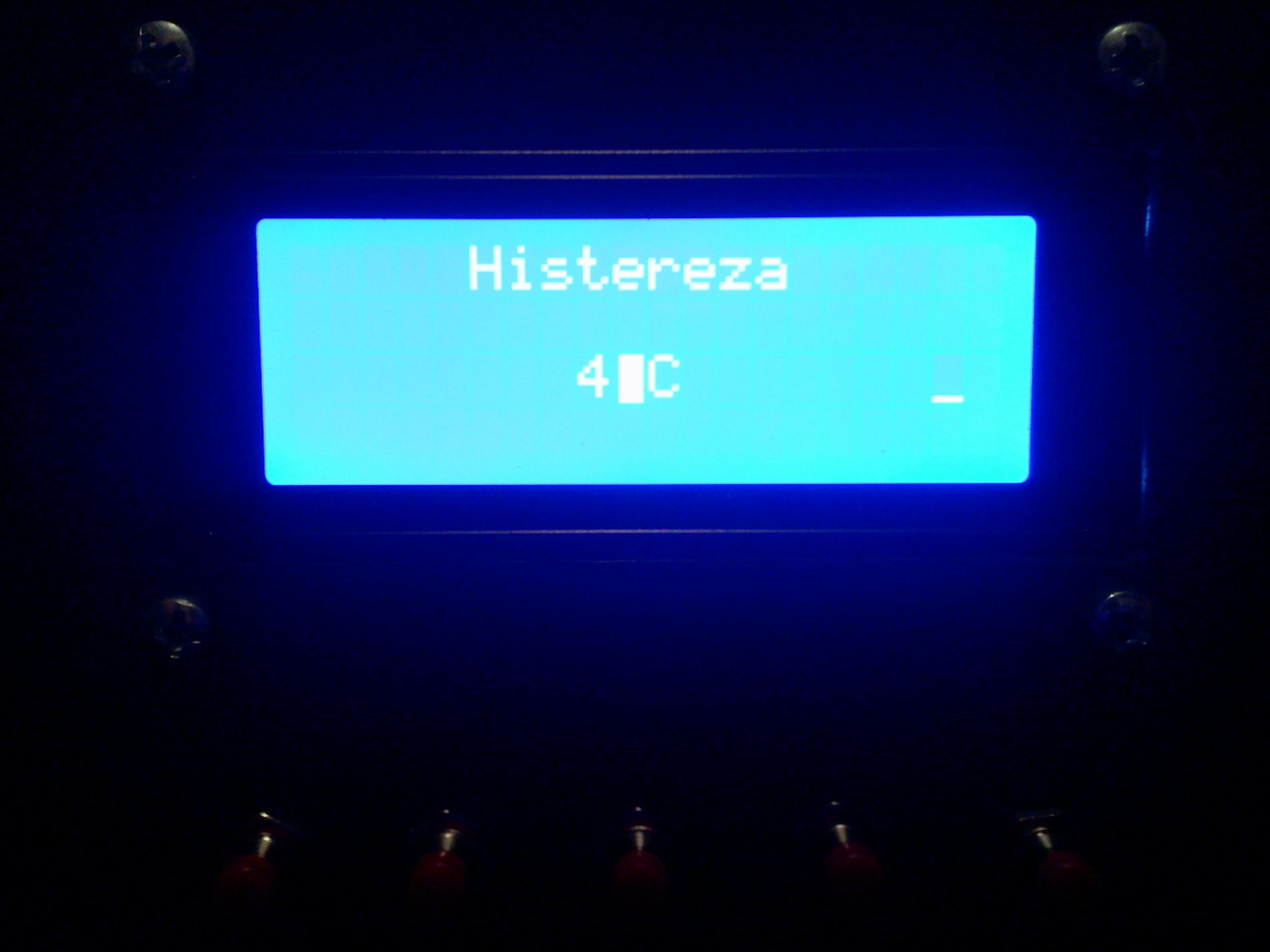 [Bascom] Atmega8 - Na LCD znikaj� w�asne znaki