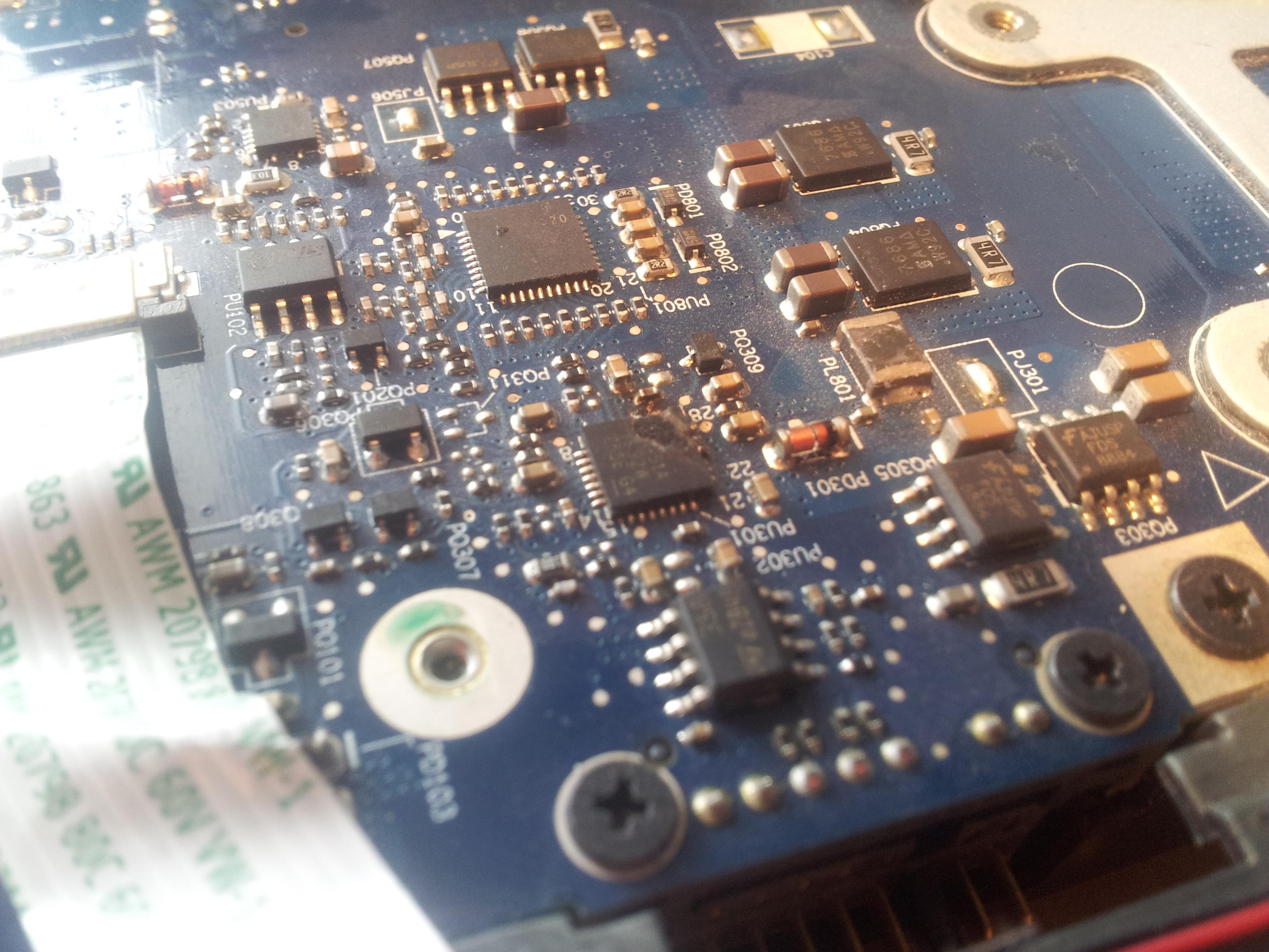 Lenovo Y550 - Pro�ba o napraw� (szukam ch�tnego na napraw�)