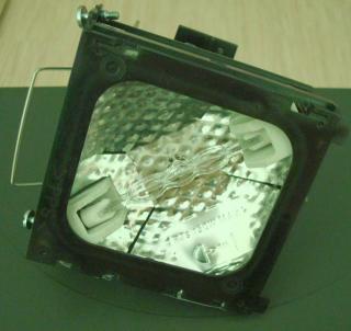 Jak oszukać projektor, żeby pracował bez lampy?