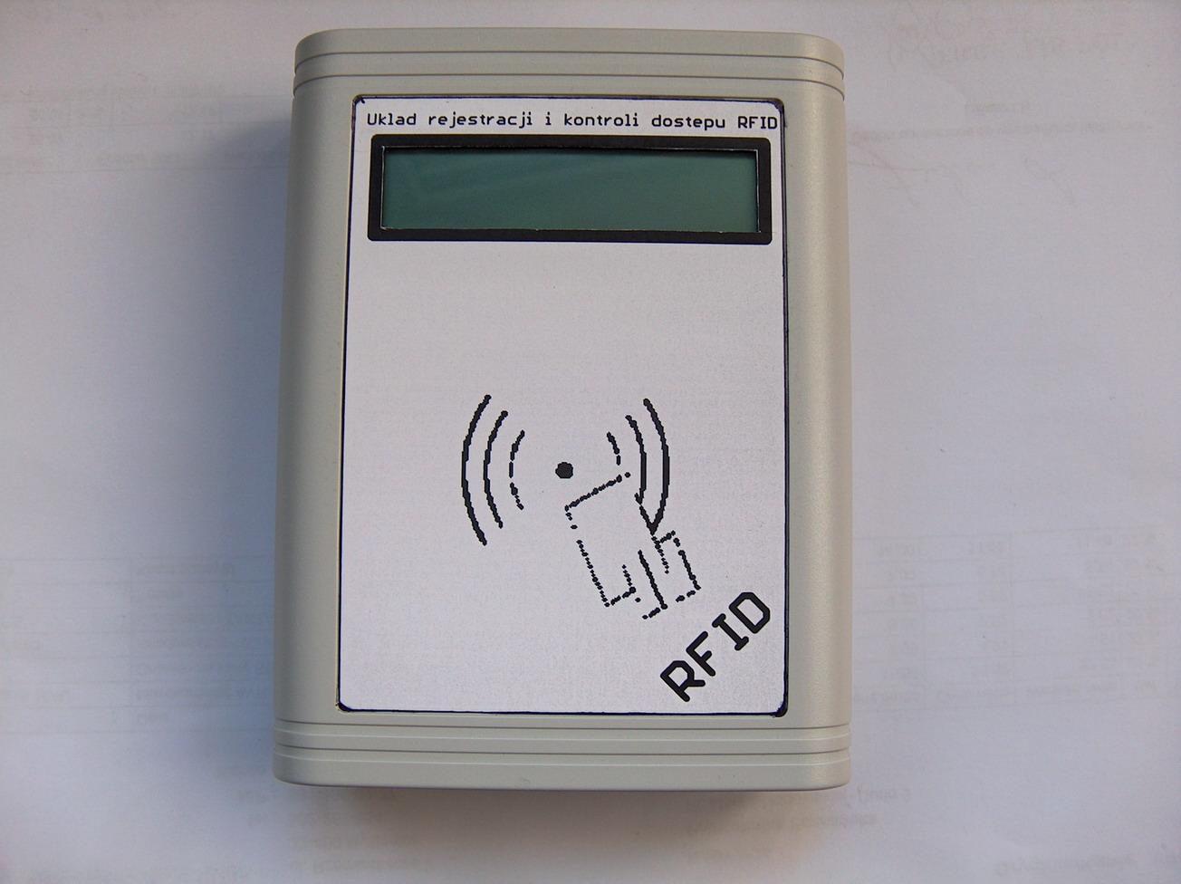Kontrola dost�pu do serwerowni przy u�yciu kart chip