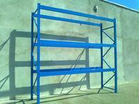 Winda-platforma towarowa w gara�u.