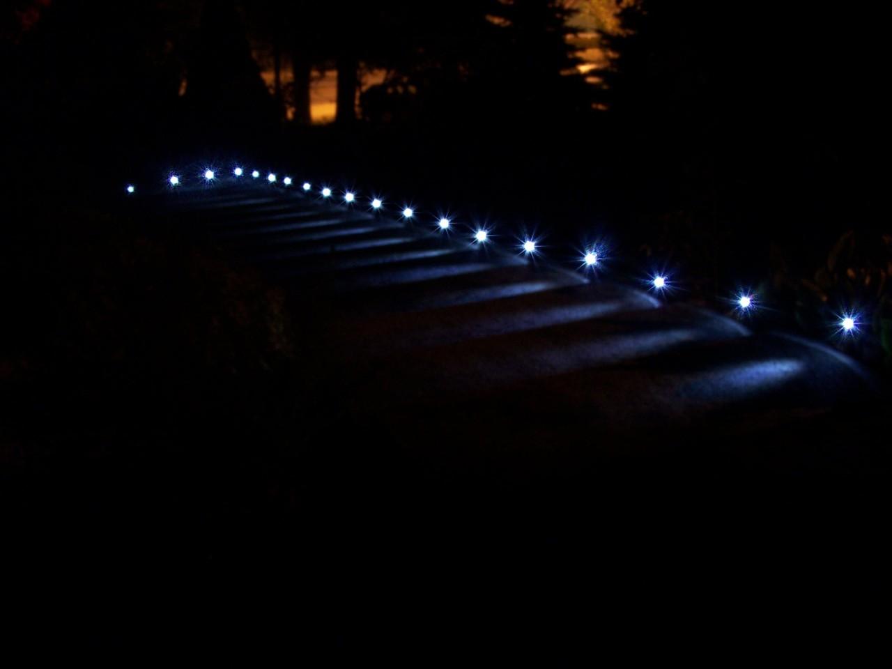 Automatyczne pod�wietlane schody