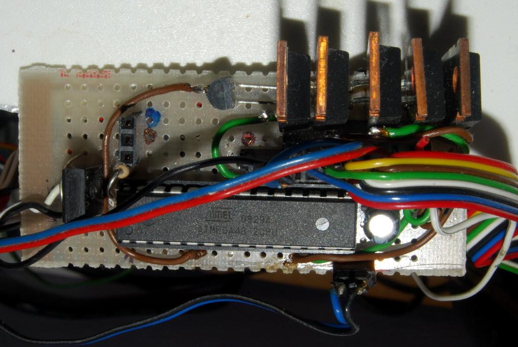AVR C sterowanie wyk�adnicze jasno�ci� LED