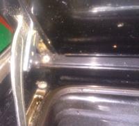Amica L60204 - spadły drzwi od piekarnika zawiasów